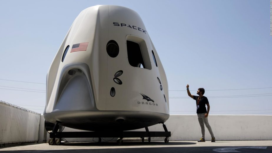Pesawat spacex elon musk