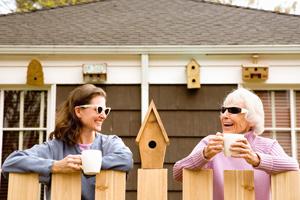 Bersosialisasi dengan tetangga
